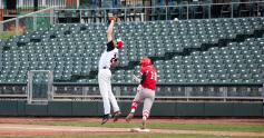 Tipp Capitalizes On Greenon Miscues For Big Win at 5/3 Field
